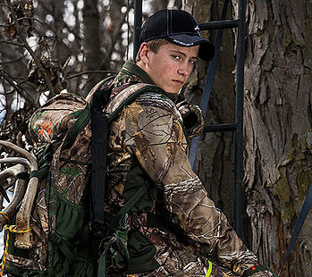 Easton Holder | Raised Hunting